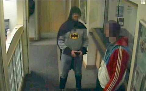 Batman-1_2499194b