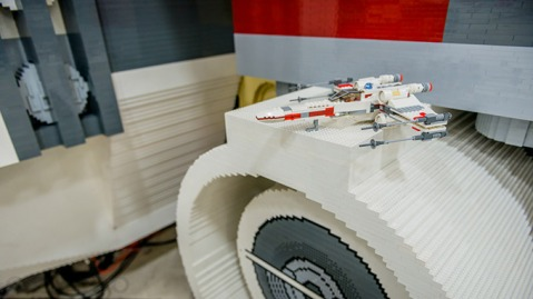 LifeSize--Star-Wars--XWing-Fighter-Built-Out-of-5-Million-LEGO-1