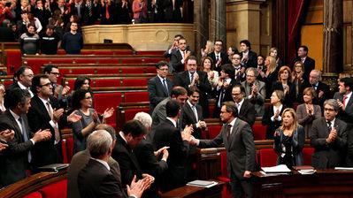 favorables-declaracio-aplaudint-Parlament-ACN_ARAIMA20130123_0200_31
