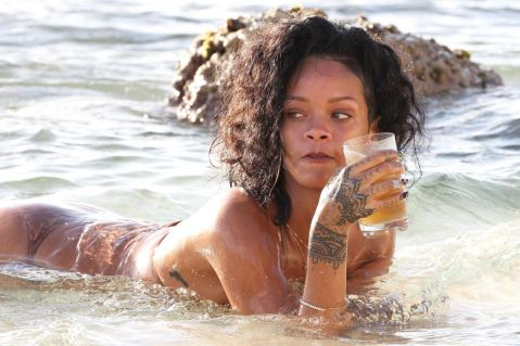 rihanna-in-bikini-at-a-beach-in-barbados_3